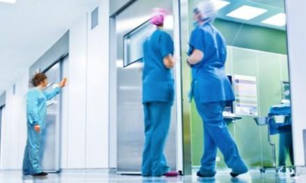 Sindicatos aplazan los paros en la limpieza de los hospitales para negociar el convenio colectivo