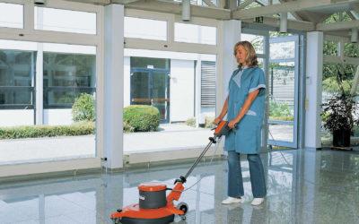 Esto es lo que hacen los trabajadores de la limpieza cuando no miras