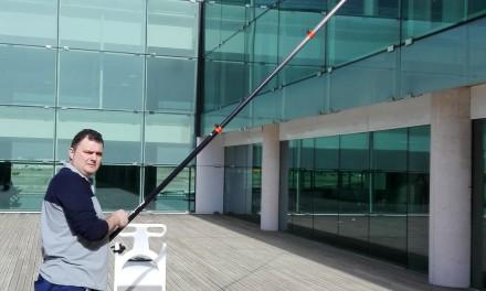 Valoriza e Interserve adquieren equipos de Sistemas Ionic para limpieza de cristales en altura.
