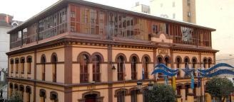 La limpieza de los edificios municipales de Langreo costará 3,4 millones en 3 años