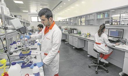 Abre en Cáceres la fábrica de productos de limpieza más avanzada de Europa