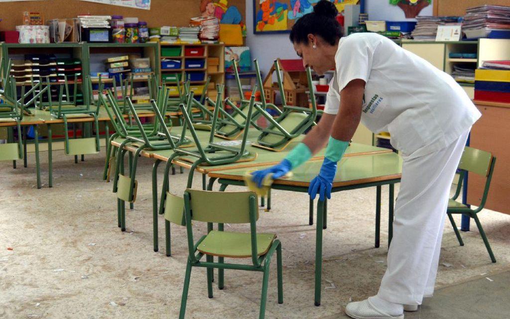 """Ceuta: Empieza la """"limpieza de choque"""" en los colegios para el próximo curso"""