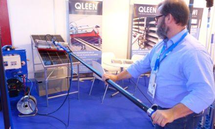 Máquina híbrida para limpieza de paneles solares.