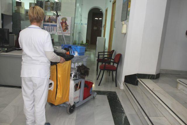 Se acuerda finalizar el contrato del Servicio de Limpieza de Interiores en centros e instalaciones dependientes del Ayuntamiento de Totana